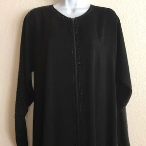 Women's black full zip abaya size M